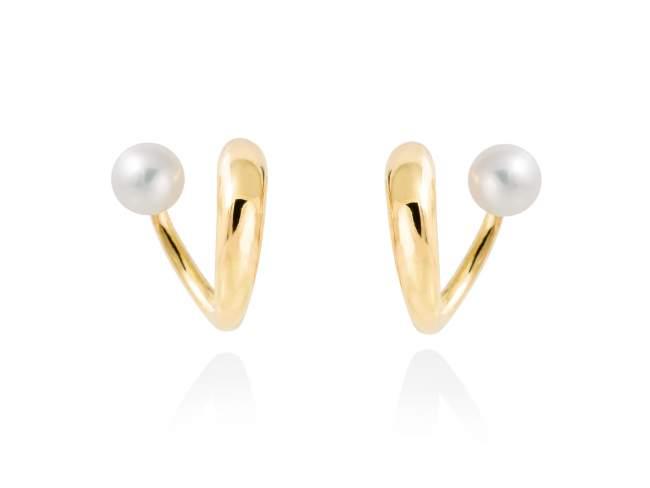 Earrings PHUKET pearl in golden silver de Marina Garcia Joyas en plata Earrings in 18kt yellow gold plated 925 sterling silver with freshwater cultured pearls. (size: 1,7 cm.)