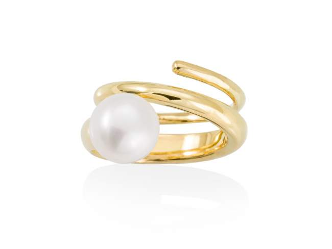 Ring PHUKET pearl in golden silver de Marina Garcia Joyas en plata Ring in 18kt yellow gold plated 925 sterling silver with freshwater cultured pearl.
