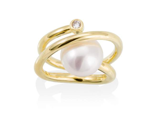 Ring WHAM pearl in golden silver de Marina Garcia Joyas en plata Ring in 18kt yellow gold plated 925 sterling silver. white cubic zirconia and freshwater cultured pearl.