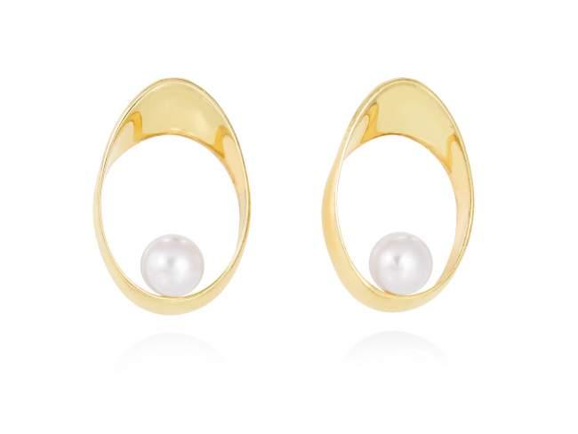Earrings YAMA pearl in golden silver de Marina Garcia Joyas en plata Earrings in 18kt yellow gold plated 925 sterling silver with freshwater cultured pearl. (size: 3 cm.)