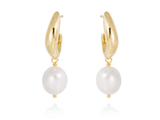 Earrings AOMORI pearl in golden silver de Marina Garcia Joyas en plata Earrings in 18kt yellow gold plated 925 sterling silver with freshwater cultured pearls. (size: 3,5 cm.)