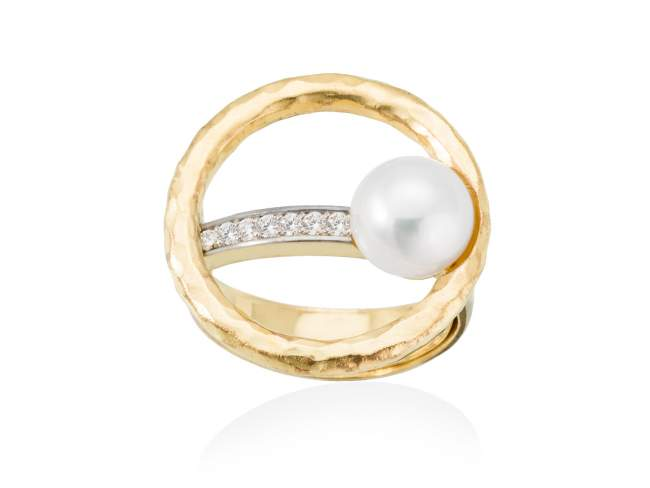 Ring NIKO pearl in golden silver de Marina Garcia Joyas en plata Ring in 18kt yellow gold plated 925 sterling silver. white cubic zirconia and freshwater cultured pearl.