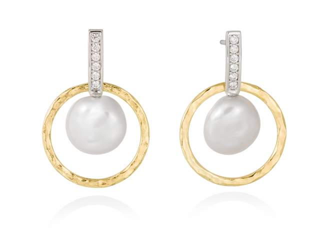 Earrings OSAKA pearl in golden silver de Marina Garcia Joyas en plata Earrings in 18kt yellow gold and rhodium plated 925 sterling silver, white cubic zirconia and freshwater cultured pearls. (size: 3,3 cm.)