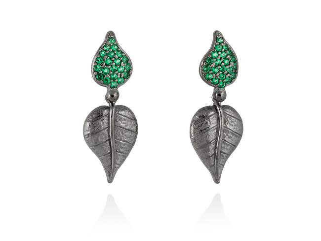 Earrings LEAVES Green in black silver de Marina Garcia Joyas en plata Earrings in ruthenium plated 925 sterling silver and synthetic green spinel. (length: 3,2 cm.)