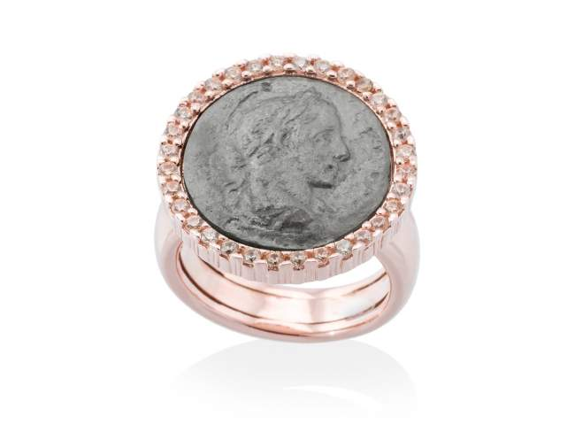 Ring EMPIRE in rose silver de Marina Garcia Joyas en plata Ring in 18kt rose gold and ruthenium plated 925 sterling silver and cognac cubic zirconia.