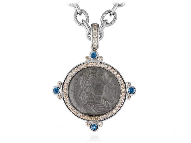 Pendant VECCHIO Blue in silver de Marina Garcia Joyas en plata Pendant in ruthenium and rhodium plated 925 sterling silver, cognac cubic zirconia and synthetic blue spinel. (size: 4,2 cm.) (Chain is not included)