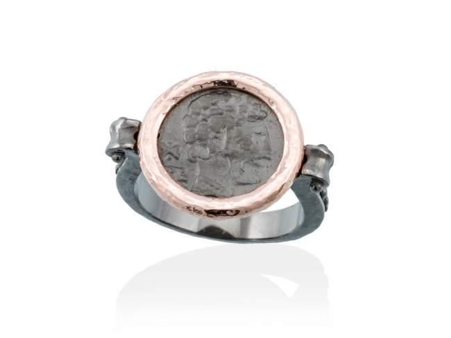 Ring VESTA in rose silver de Marina Garcia Joyas en plata Ring in 18kt rose gold and ruthenium plated 925 sterling silver.