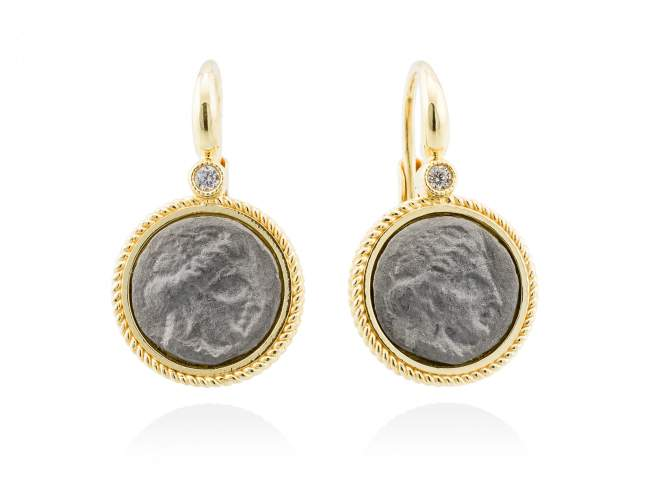 Earrings TERRA in golden silver de Marina Garcia Joyas en plata Earrings in 18kt yellow gold and ruthenium plated 925 sterling silver and white cubic zirconia. (size: 2,5 cm.)