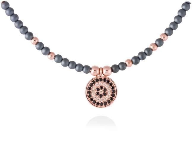 Gargantilla FULL MOON en plata rosa de Marina Garcia Joyas en plata Gargantilla de plata de primera ley (925) chapada en oro rosa de 18kt, circonita coñac, espinela negra sintética y hematites. (largo: 42+3 cm.)