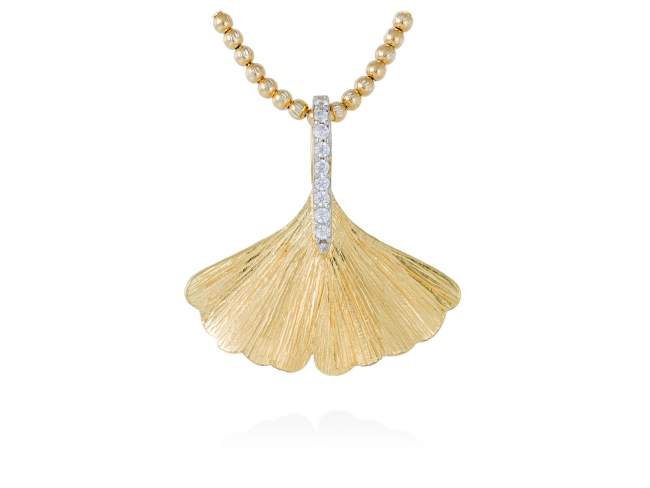 Pendant FALL White in golden silver de Marina Garcia Joyas en plata Pendant in 18kt yellow gold plated 925 sterling silver with white cubic zirconia. (size: 2,8 cm.) (Chain is not included)