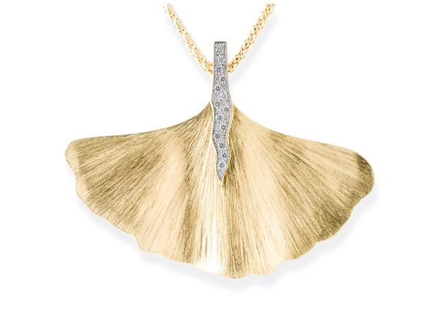 Pendant FALL White in golden silver de Marina Garcia Joyas en plata Pendant in 18kt yellow gold plated 925 sterling silver with white cubic zirconia. (size: 6 cm.) (Chain is not included)