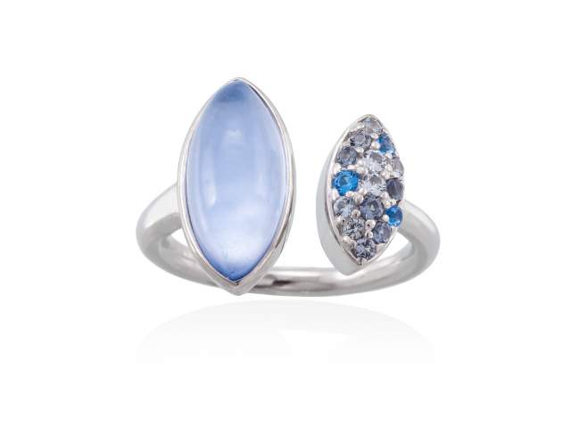 Ring HIDRA Blue in silver de Marina Garcia Joyas en plata Ring in rhodium plated 925 sterling silver, multicolor cubic zirconia, mother of pearl and synthetic blue saphire doublet.