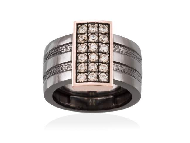 Ring BELUGA Cognac in black silver de Marina Garcia Joyas en plata Ring in 18kt rose gold and ruthenium plated 925 sterling silver with cognac cubic zirconia.