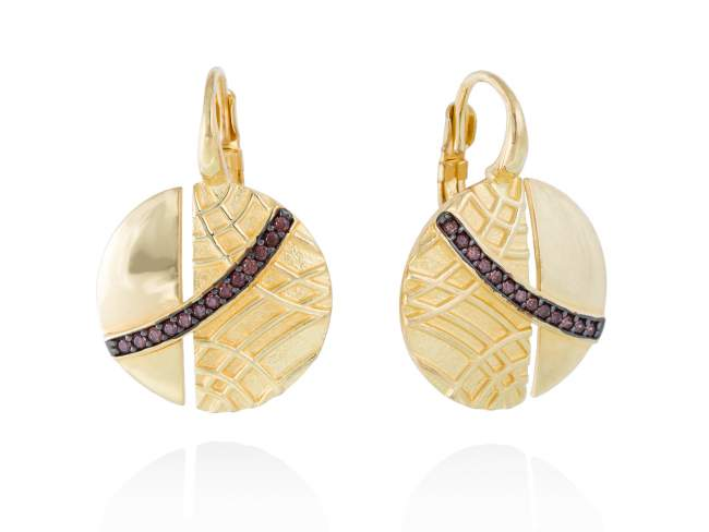 Earrings LINDT Brown in golden silver de Marina Garcia Joyas en plata Earrings in 18kt yellow gold plated 925 sterling silver with brown cubic zirconia. (size: 2,8 cm.)