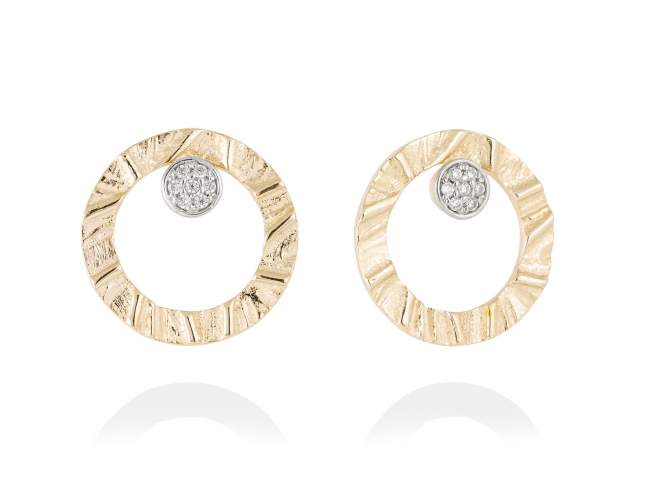 Earrings FOUNDANT White in golden silver de Marina Garcia Joyas en plata Earrings in 18kt yellow gold plated 925 sterling silver with white cubic zirconia. (size: 2 cm.)