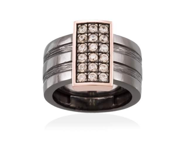 Ring BELUGA Cognac in black silver de Marina Garcia Joyas en plata Ring in 18kt rose gold and ruthenium plated 925 sterling silver with cognac cubic zirconia.